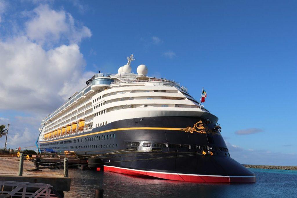 navio externo da Disney